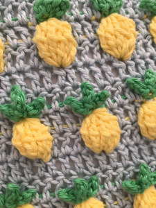 crochet pineapple cushion
